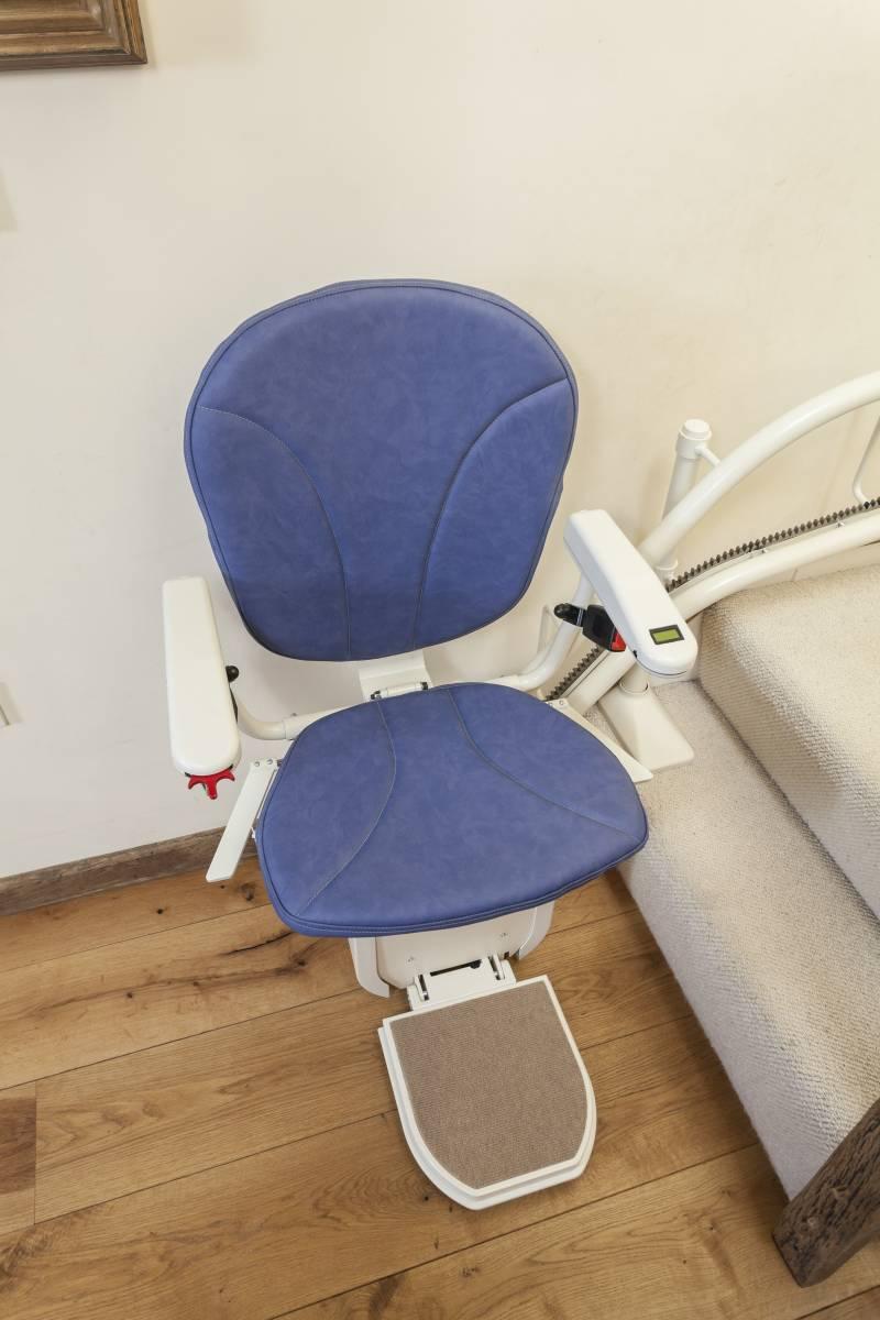 aide financi re pour un monte escalier marseille aix en. Black Bedroom Furniture Sets. Home Design Ideas