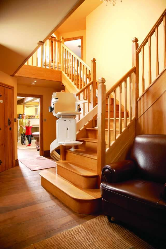 devis pour un monte escalier en paca installation de fauteuil monte escalier aix en provence. Black Bedroom Furniture Sets. Home Design Ideas