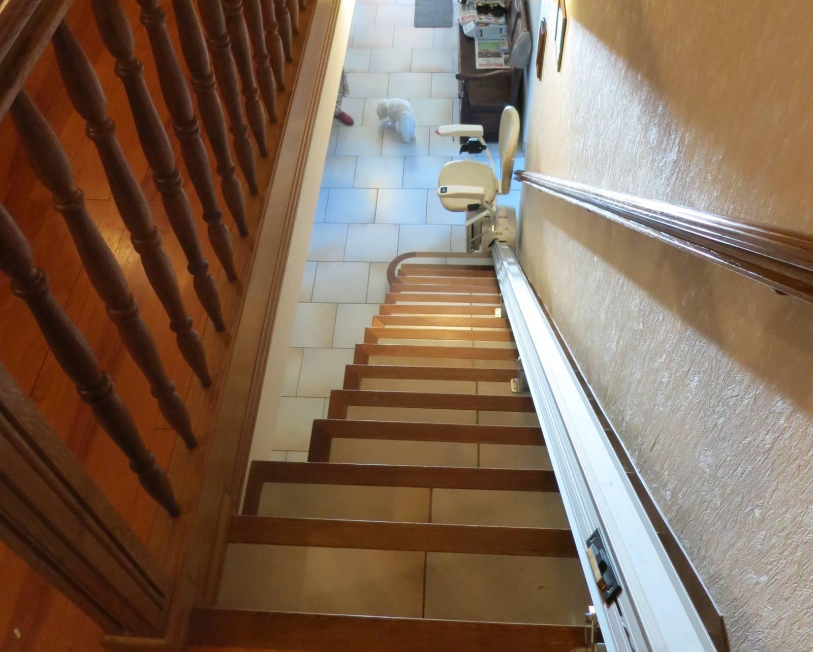 monte escalier droit horizon standard aix en provence. Black Bedroom Furniture Sets. Home Design Ideas